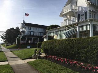 Parker House / Beacon House